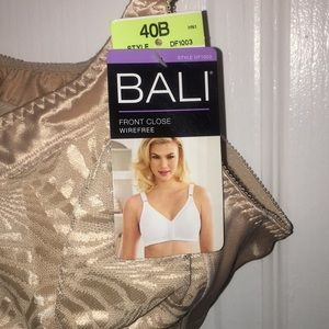 15d4305349e Bali Intimates   Sleepwear - Bali double support front close wirefree bra  40B